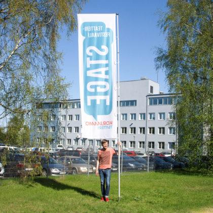 Mobiilne lipumast koos reklaamlipuga